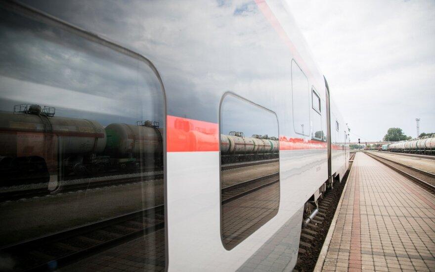 Mažės kelionių traukiniais: stabdoma trečdalis reisų