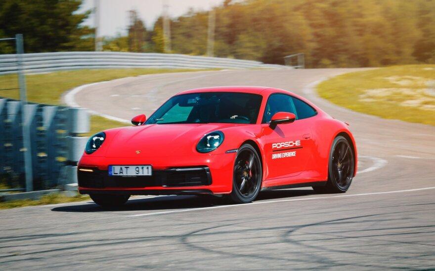 ",,Porsche 911 Carrera 4S"""