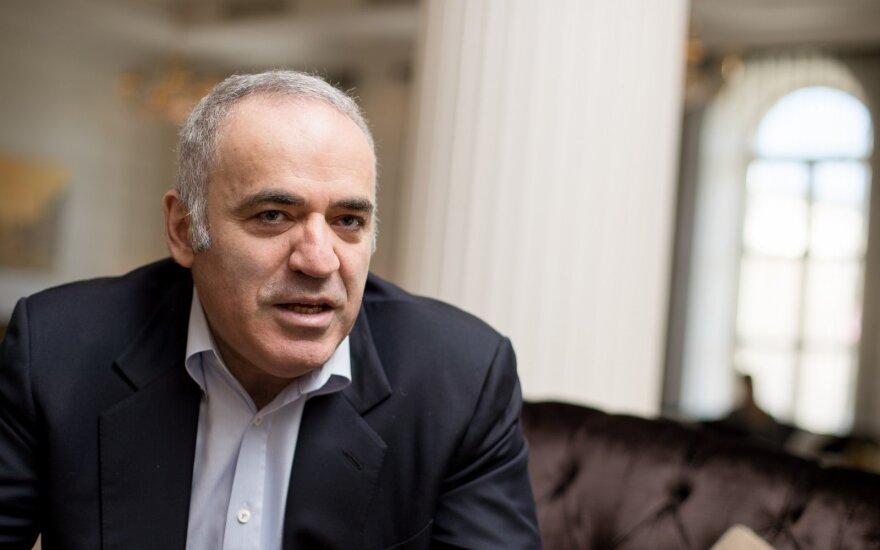Po 12 metų pertraukos sugrįžta G. Kasparovas