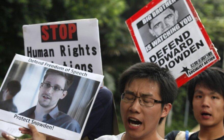 Dvi valstybės pasiūlė prieglobstį E. Snowdenui