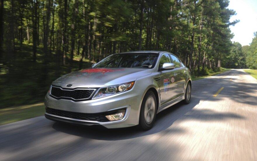 Kia Optima Hybrid JAV pasiekė ekonomiškumo rekordą