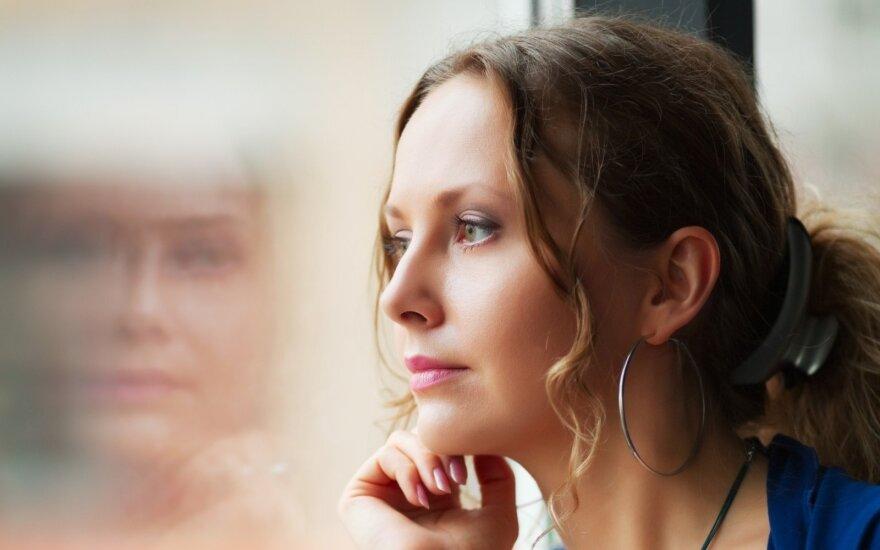 Graži, bet vieniša – buvusios kolegės gyvenimas iliuzijose iki šiol stebina