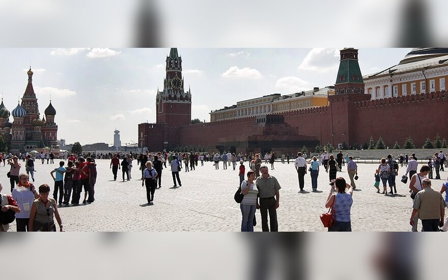 M.Chazinas: atpigus naftai, Rusijos lauks sunkūs išbandymai