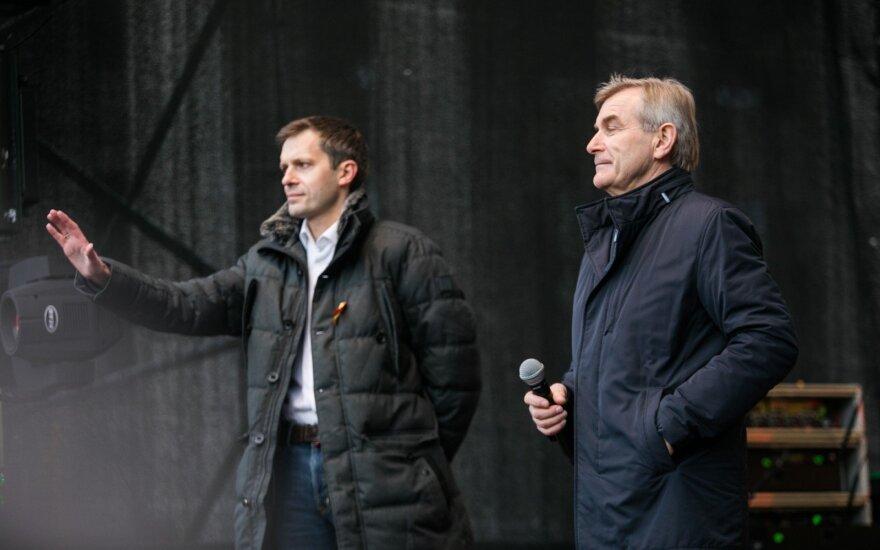 Andrius Tapinas, Viktoras Pranckietis