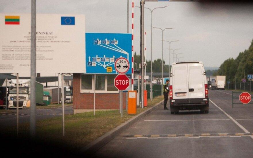 A.Butkevičius: dėl provokacijos Estijoje Lietuva stiprina pasienio kontrolę