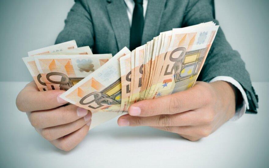 Nuo sausio atlyginimai bus eurais: kada turite sulaukti įspėjimo