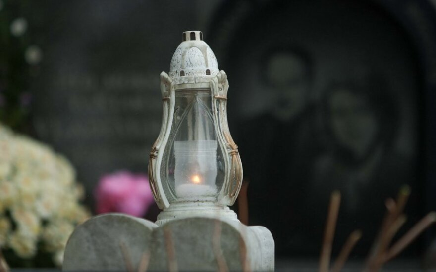 """""""Gyvųjų maršu"""" Paneriuose pagerbtos holokausto aukos"""