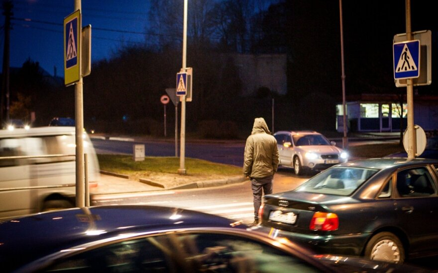 Prakalbo apie situaciją keliuose: beveik kas trečias žuvo partrenktas pėsčiųjų perėjoje