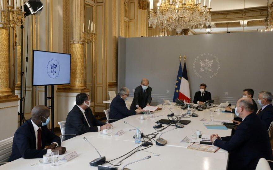 """Prancūzijos musulmonų taryba sutarė dėl Macrono reikalautų """"principų chartijos"""""""
