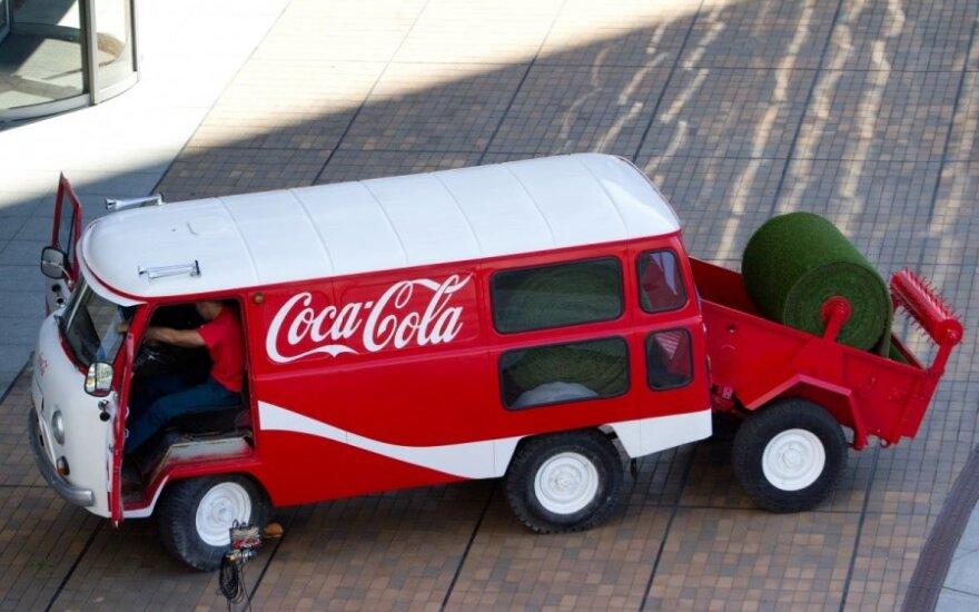 """""""Coca-Cola"""" tapo pagrindine sporto gėrimų gamintojos akcininke"""