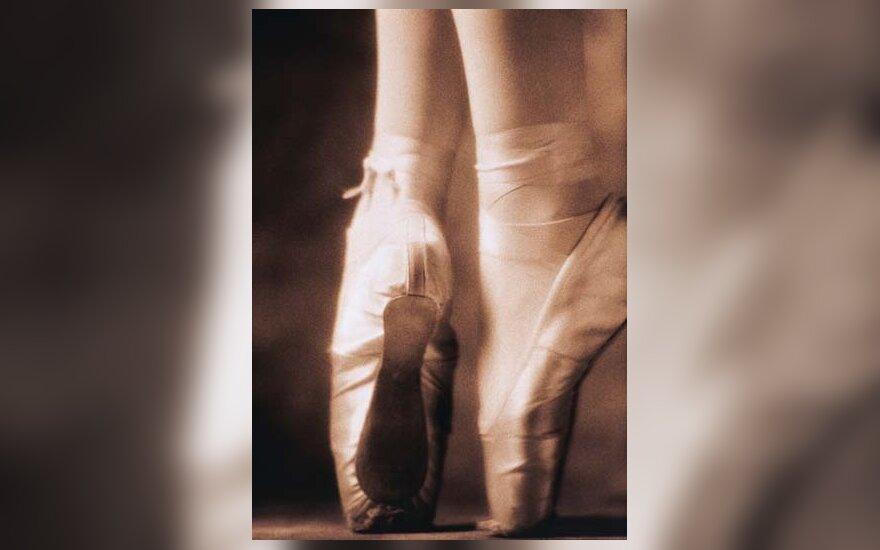 baletas, elegancija, šokti, kojos
