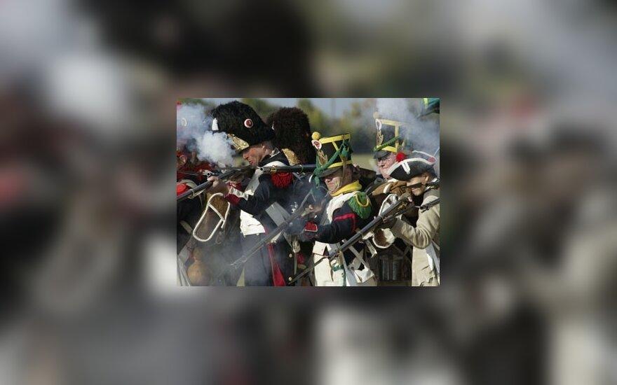 Napoleono armijos kariais persirengę aktoriai