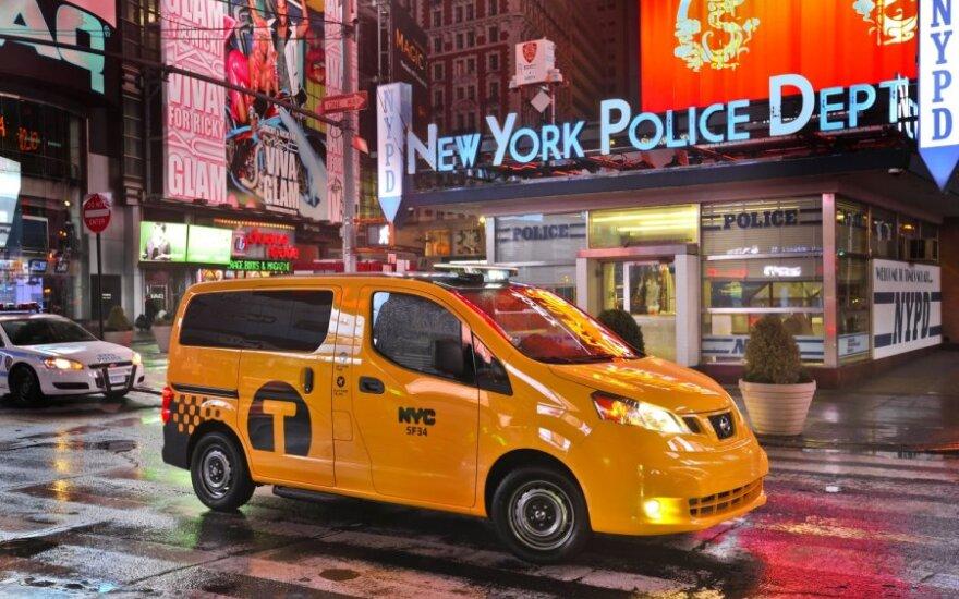 Nissan NV200 - nauji Niujorko taksi automobiliai
