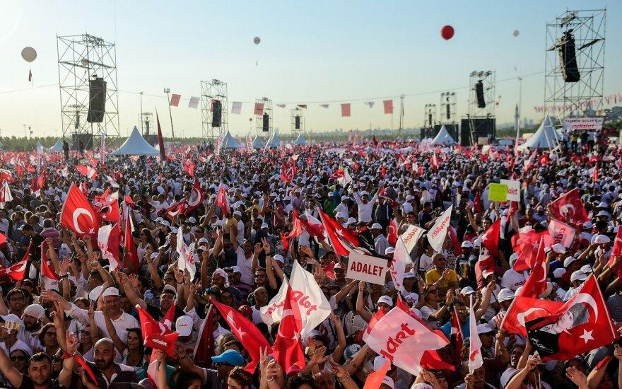 Mitingas prieš R. T. Erdoganą Turkijoje