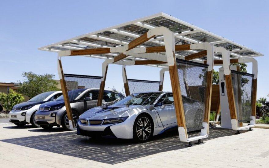 Elektromobilių įkrovimo stotelių vizija – iš bambuko