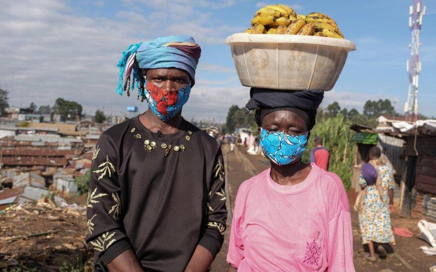 Savadarbės kaukės Afrikoje