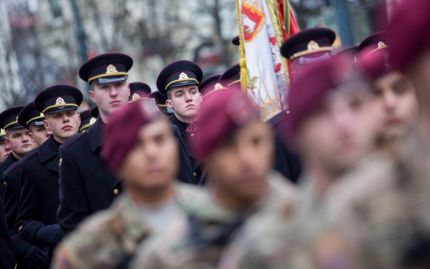 Government approves plans for increasing soldier numbers