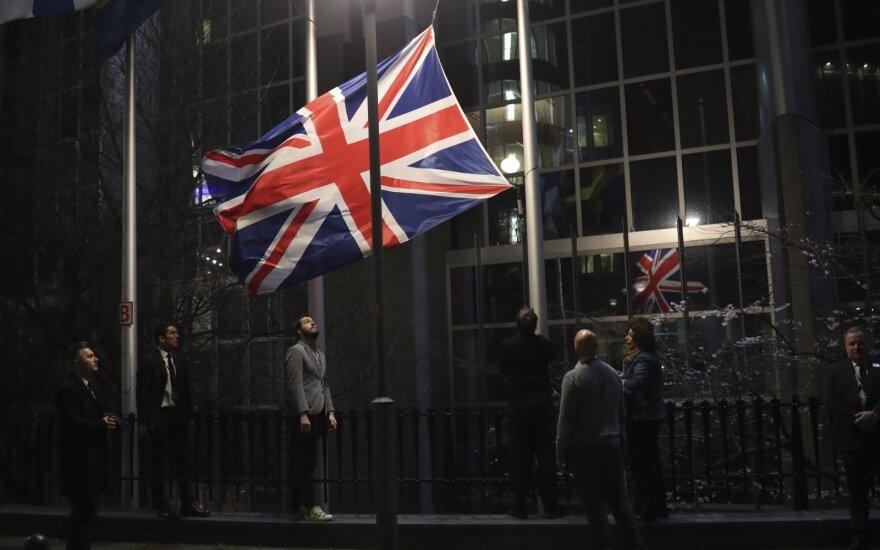 Britai švenčia BREXIT