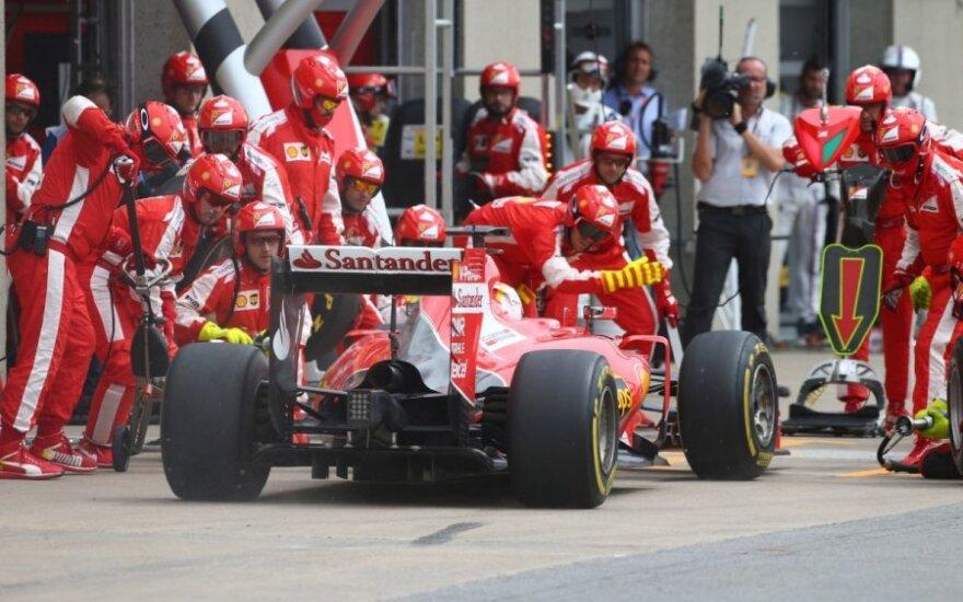 """Sebastianas Vettelis ir """"Ferrari SF15-T"""""""