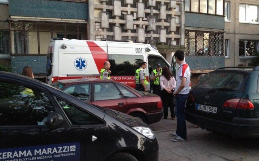 Vilniuje nuo daugiabučio stogo nukritusi žuvo 16-metė