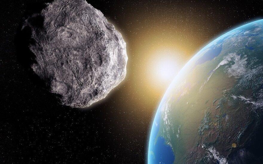 Santykinai mažu atstumu nuo Žemės praskriejo asteroidas