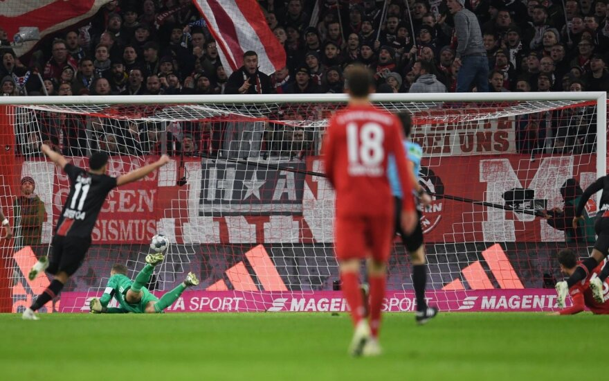 """Antausį namuose gavęs """"Bayern"""" nukrito net į ketvirtą vietą Vokietijoje"""