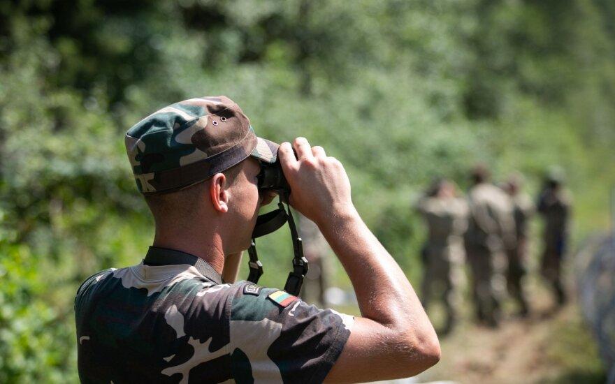 Grupė parlamentarų siūlo įteisinti kariuomenės veterano statusą