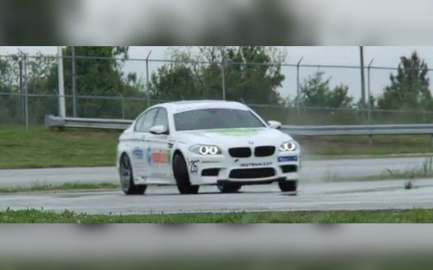 BMW šonaslydis