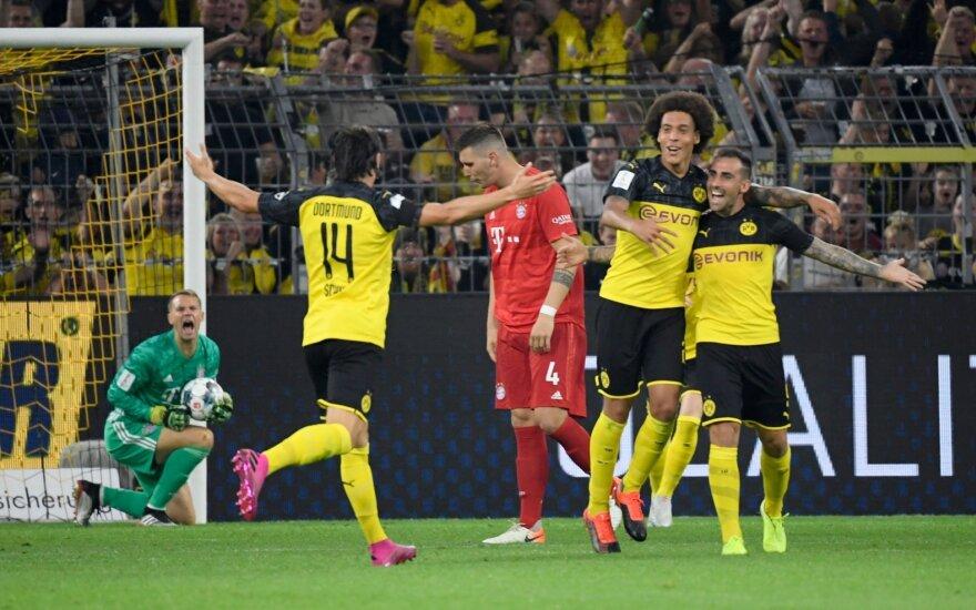 """""""Borussia"""" paguldė """"Bayern"""" ir iškėlė Supertaurę"""