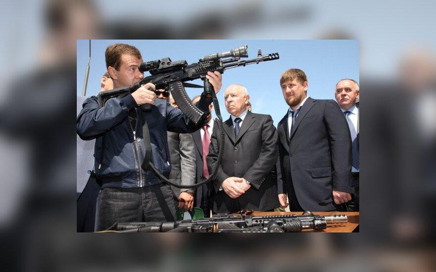 D.Medvedevas griebiasi ne jam priklausančių klausimų