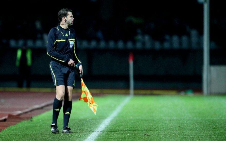 Lietuvos futbolas tarptautinėje arenoje turės dar vieną teisėjo asistentą