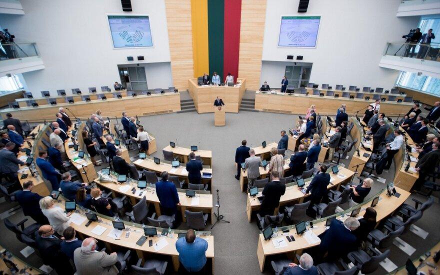 Pasibaigusios Seimo sesijos darbų rezultatas – per 400 teisės aktų