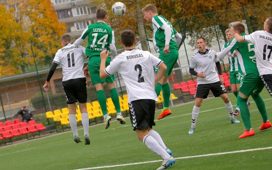 """""""Šilutės"""" futbolininkai (balta apranga, Foto: Arūnas Kisielius)"""