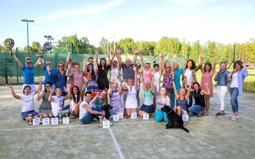 """Dubingiuose vyko padelio teniso turnyras """"Bobų pavasaris"""""""