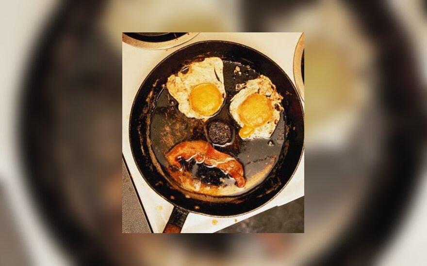 Kiaušinienė su lašiniais