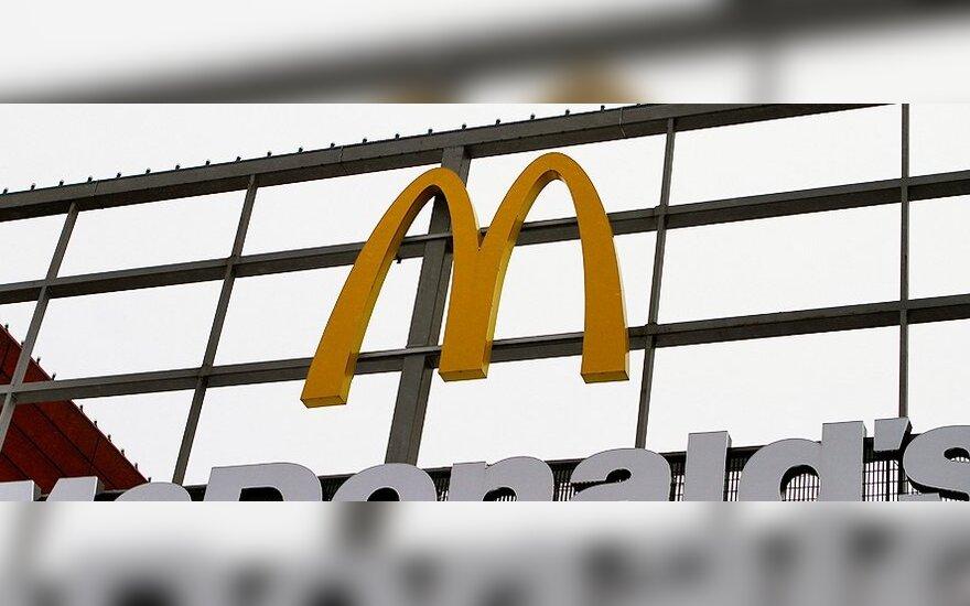 """Iškeiktas """"McDonald's"""" klientas reikalauja kompensacijos"""
