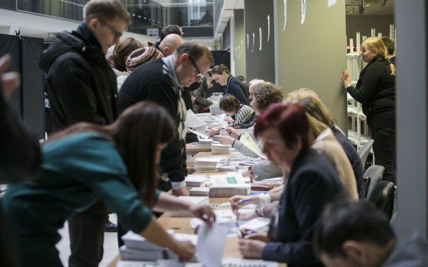 VRK skelbia pirmosios dienos rinkėjų aktyvumą: skaičiai džiugina