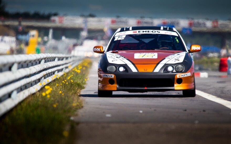 """""""Bunasta by Žaibelis motorsport"""" komanda """"Eneos 1006 km"""" lenktynėse su """"Honda Integra"""" užėmė devintą vietą"""