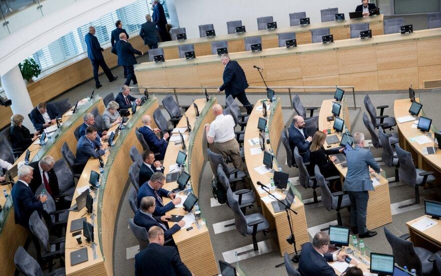 Svarbiausi Seime svarstomų mokesčių ir pensijų pokyčiai