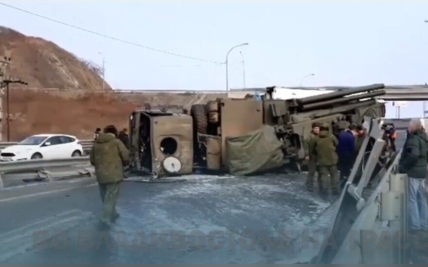 """Rusijoje – itin brangi avarija: apvirto priešlėktuvinės gynybos raketų kompleksas """"Pantsir-S"""""""