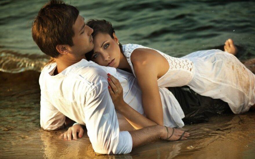 Kūniški malonumai paplūdimyje gali rimtai atsirūgti