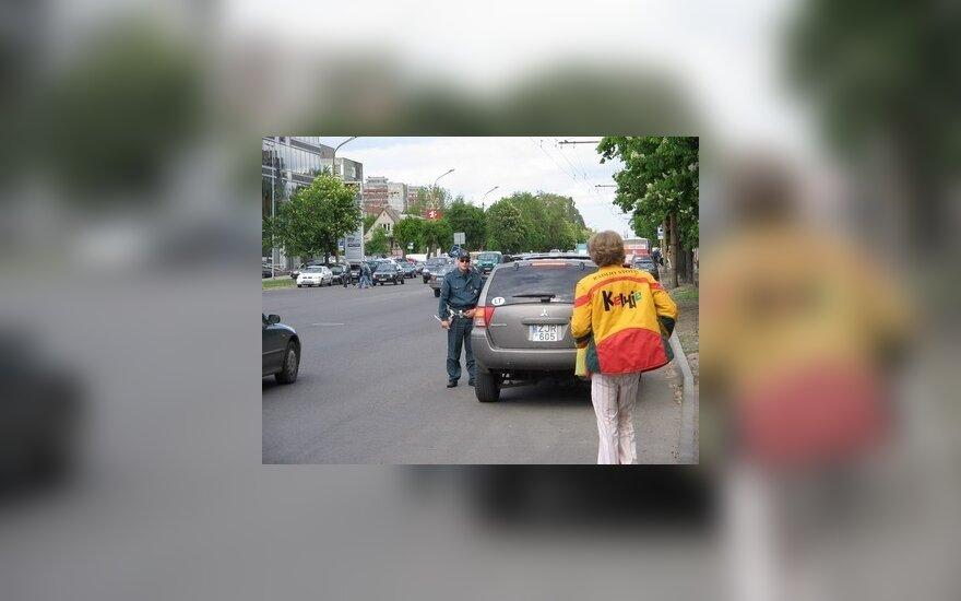 Policija griežtins kontrolę keliuose