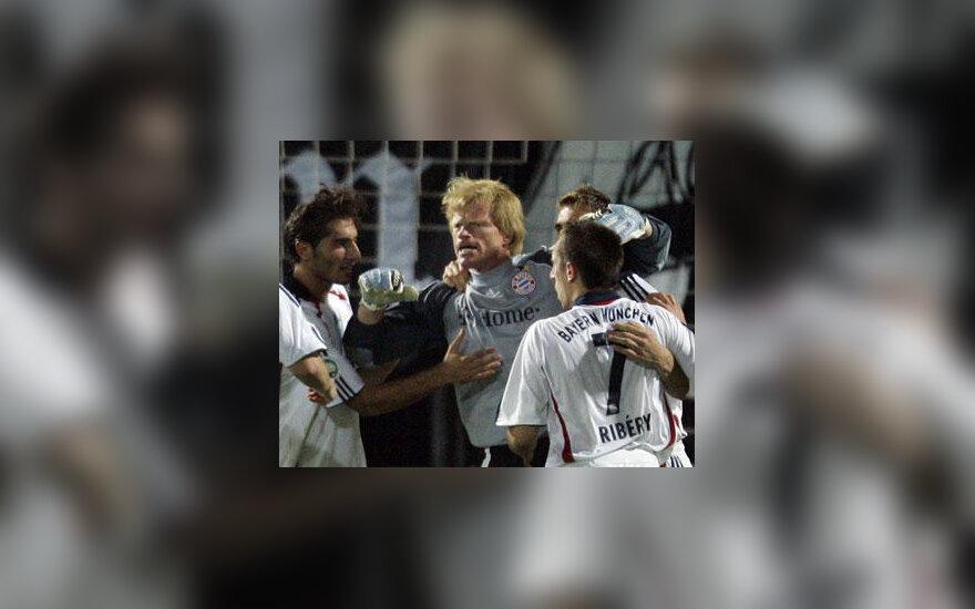 """""""Bayern"""" komanda sveikina Oliverį Kahną"""