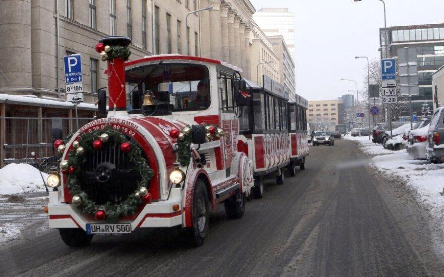 Kalėdinis traukinukas sostinėje liko neišbandytas: tyčiojamasi iš mažųjų lūkesčių