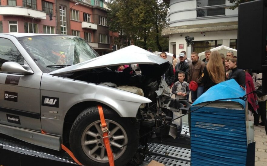 Kaip atpažinti paslėptus remontuoto automobilio pėdsakus?