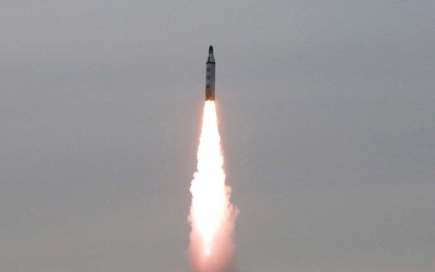 Testas naujajam P. Korėjos prezidentui – Šiaurės Korėja išbandė balistinę raketą
