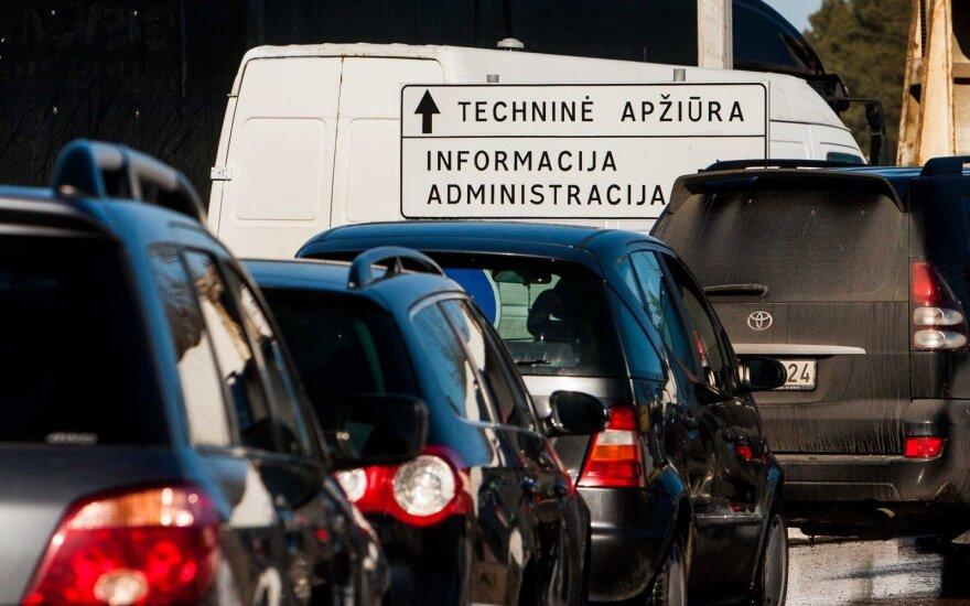 Keičiasi automobilių išregistravimo tvarka