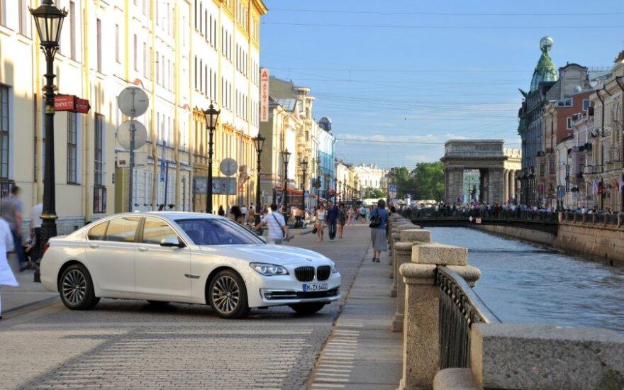 Apklausa: blogiausi vairuotojai - BMW savininkai