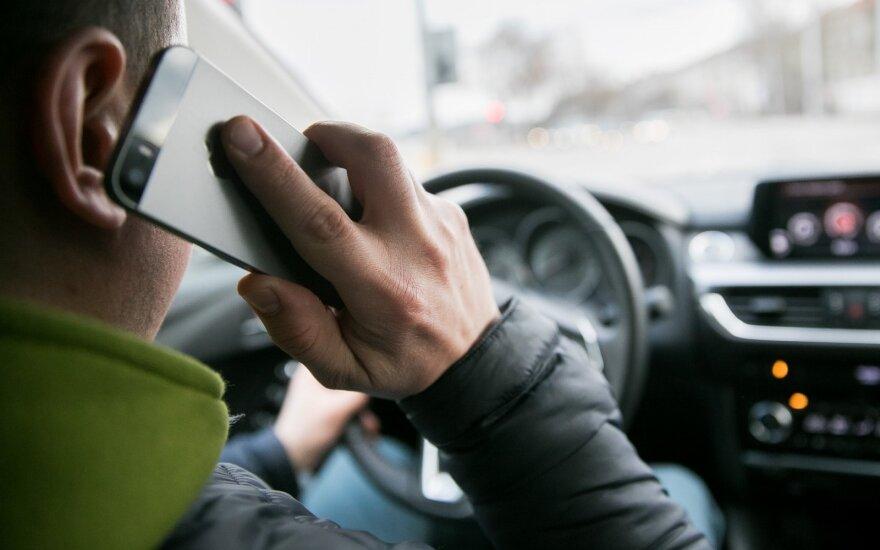 Plepiems vairuotojams ateina sunkūs laikai: juos stebės vaizdo kameros