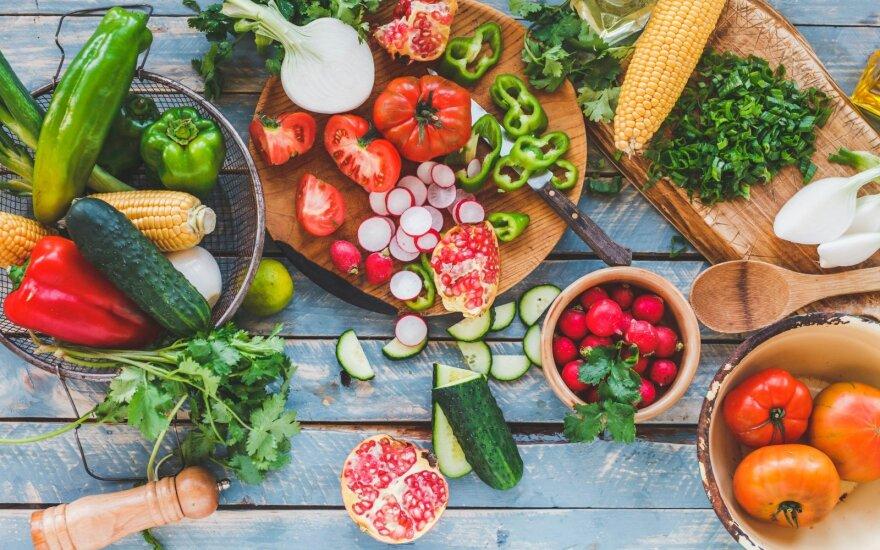 Atgaivina ne tik vanduo: 5 daržovės, kurias verta valgyti karštą vasaros dieną